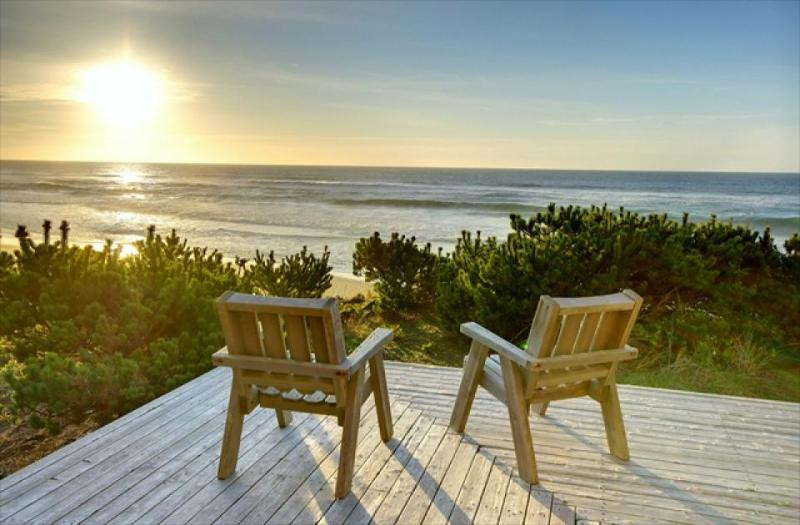 Oceanfront cabin made of knotty wood, homey & eclectic. - Image 1 - Gleneden Beach - rentals