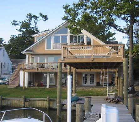 That large deck is perfect for relaxing! - Peaceful 3BR Annapolis House on Oyster Creek w/ Amazing Views of the Chesapeake Bay - Annapolis - rentals