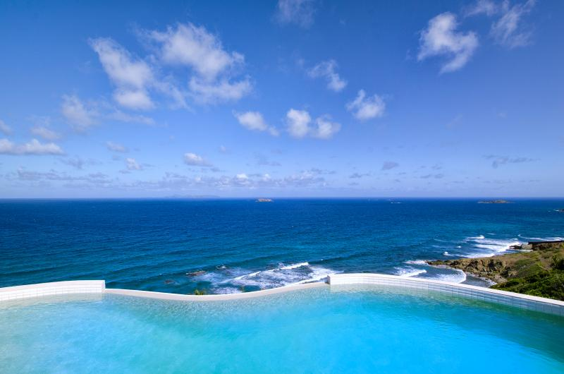 Villa Sky Blue... Dawn Beach Estates, St Maarten 800 480 8555 - VILLA SKY BLUE... luxurious 4BR ocean view villa with fabulous water views, Dawn Beach, St Maarten - Dawn Beach - rentals