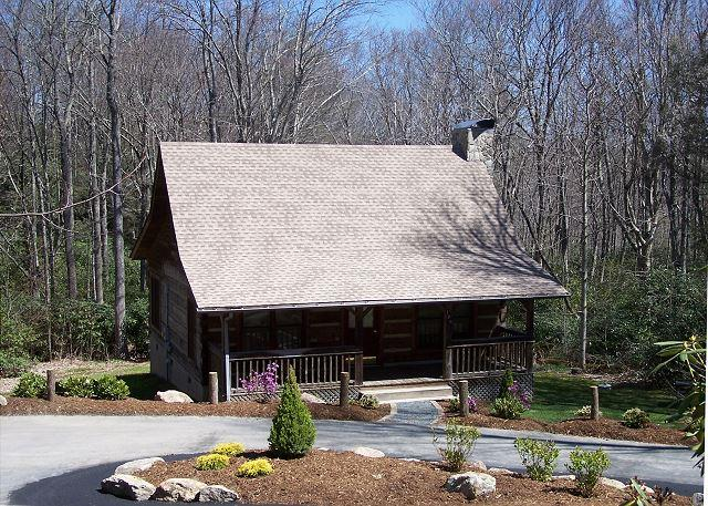 Mountain Brook Log Cabin a perfect cabin in the woods, close to the Parkway - Image 1 - Blowing Rock - rentals