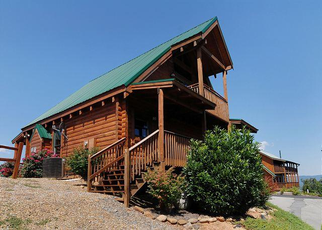 Spectacular Views from the 1 bedroom cabin BREATHLESS 171 - Image 1 - Sevierville - rentals