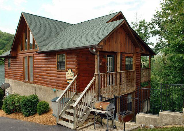 Pigeon Forge resort cabin near Dollywood - Image 1 - Sevierville - rentals