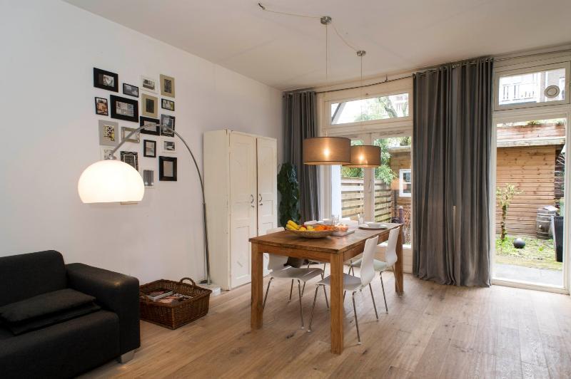 Living Room with Garden View Jan Steen I apartment Amsterdam - Jan Steen I apartment Amsterdam - Amsterdam - rentals