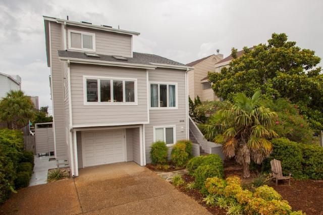 Front Exterior - 604 Vanderbilt - Virginia Beach - rentals