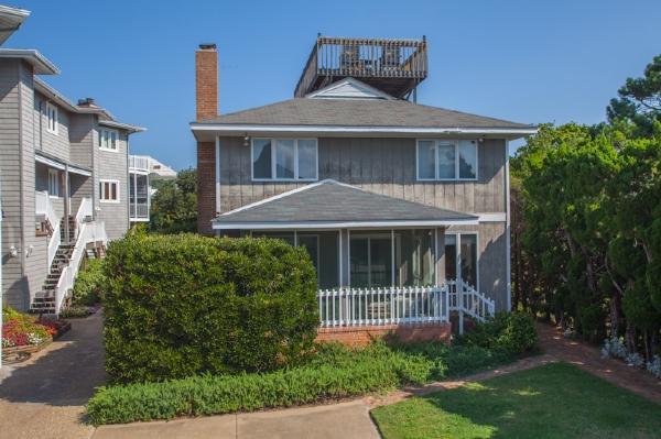 Front Exterior - NE83 109 - Virginia Beach - rentals
