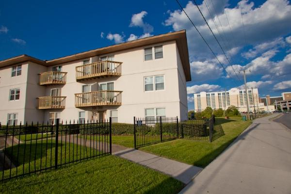 Front Exterior - 307 Lake Station - Virginia Beach - rentals