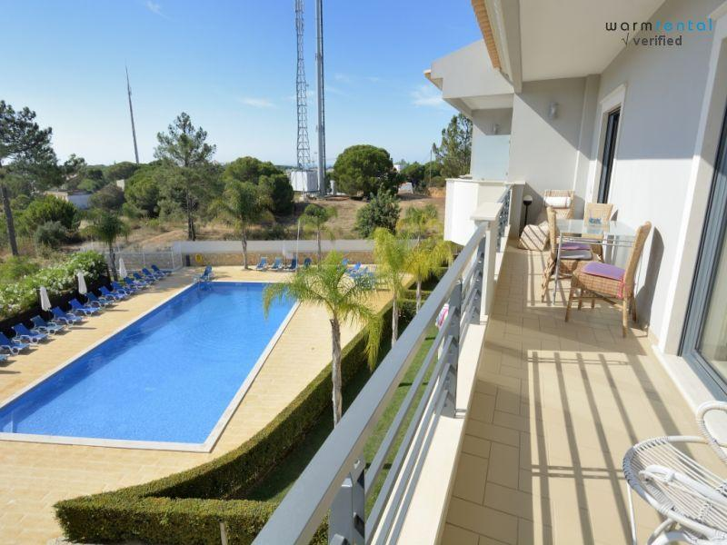 Balcony  - Farnell White Apartment - Olhos de Agua - rentals
