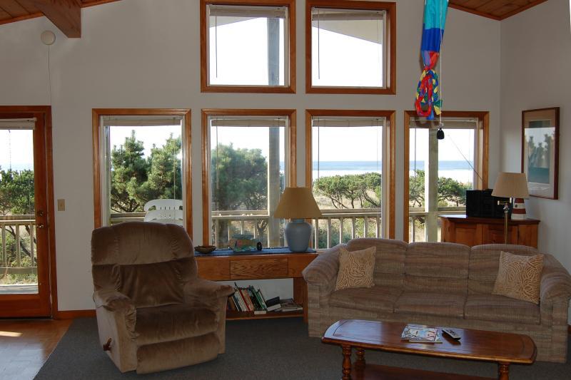 Jeske's Beach House ~ Ocean Front ~ Sleeps 14 - Image 1 - Rockaway Beach - rentals