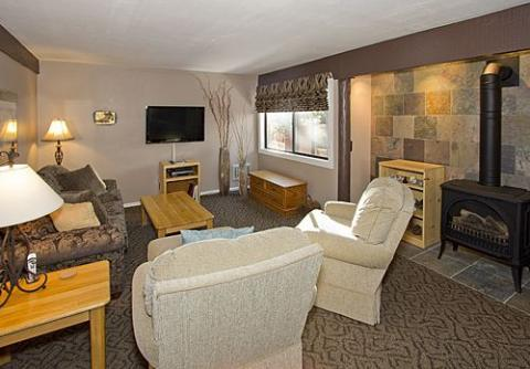 Mammoth Ski & Racquet 2 Bedroom Downstairs Condo with Views ~ RA525 - Image 1 - Mammoth Lakes - rentals