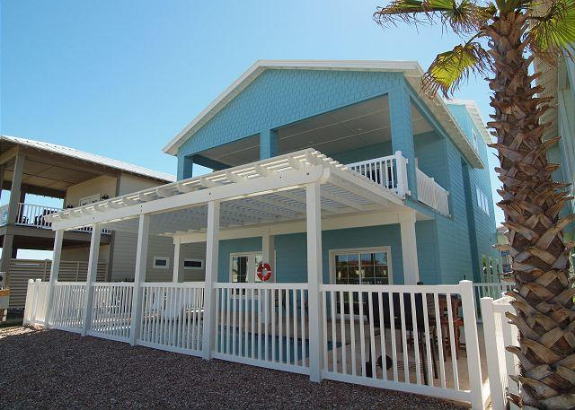 FABULOUS home in upscale Banyan Beach! - Image 1 - Port Aransas - rentals