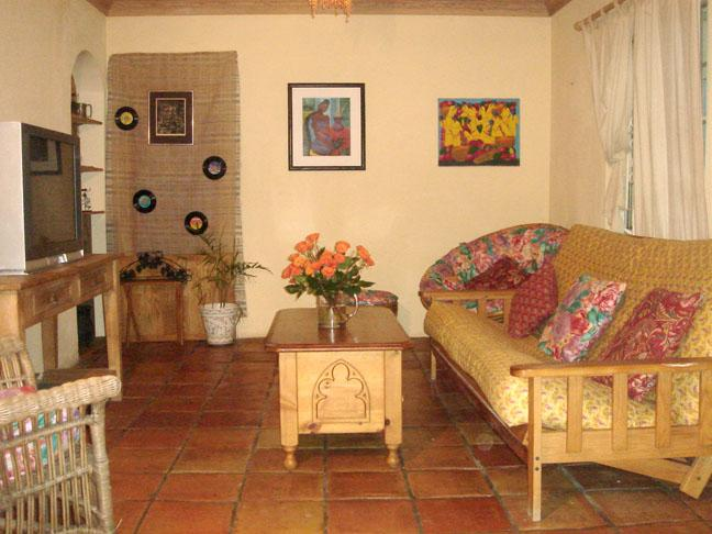 3 Bedroom Cottage, Nice Area, Near Atlantis & Town - Image 1 - Nassau - rentals