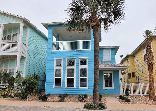 4 bedroom 4.5 bath newly constructed home in gated Village Walk! - Image 1 - Port Aransas - rentals