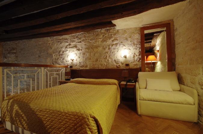 1.jpg - AUG17RC - Paris - rentals