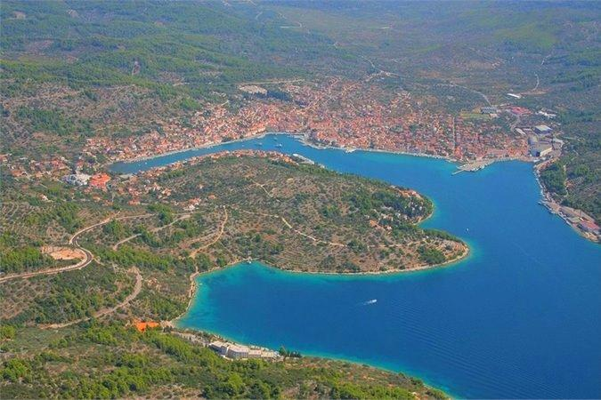 Vela Luka bay - great apartment with a terrase, just 50 meters from the beach - Vela Luka - rentals