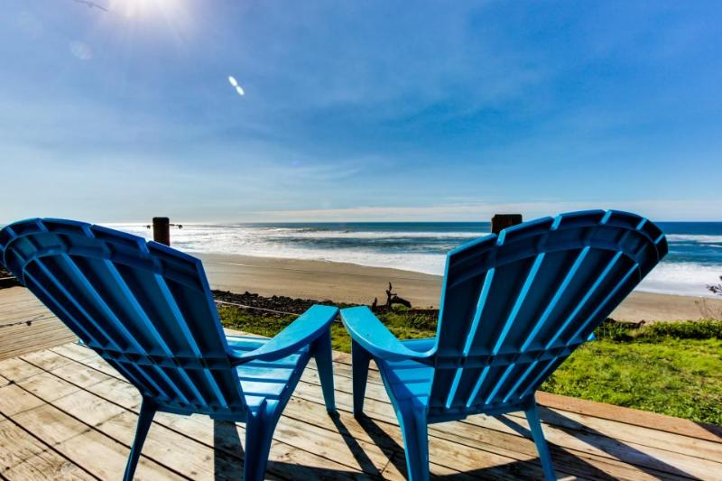 Cozy oceanfront & dog-friendly cottage w/ great views & a private hot tub! - Image 1 - Gleneden Beach - rentals