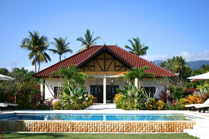 Bali Villa Yudhistira-Luxury pool beach villa - Image 1 - Lovina - rentals