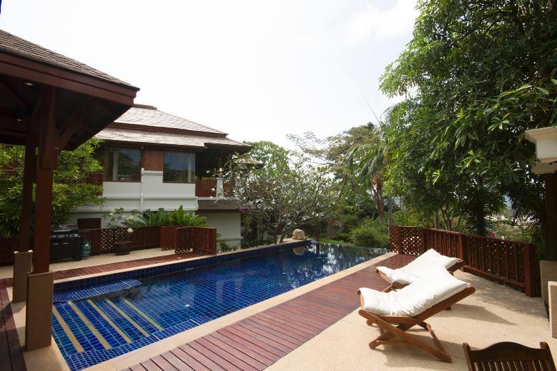 Swimming Pool, decking, garden - K2-Miltonia, L'Orchidee Residences - Patong - rentals