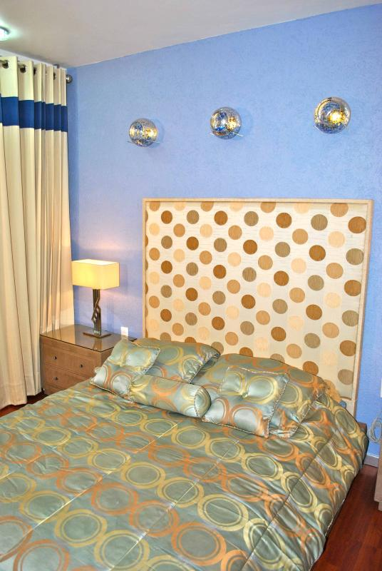 Queen size bed - Business Suite BLUE near Reforma Avenue - Mexico City - rentals
