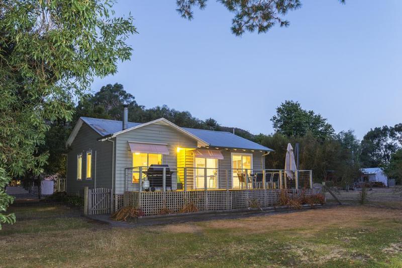 Idealic setting with Nat Park frontage - Serenity Halls Gap - Halls Gap - rentals