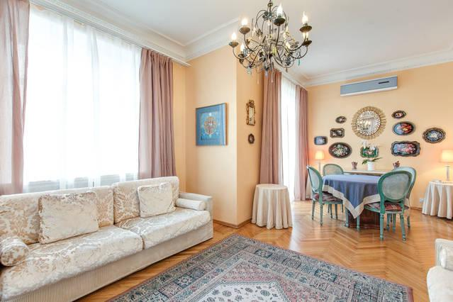 2 bedroom flat with view to Pushkin Square - Image 1 - Moscow - rentals