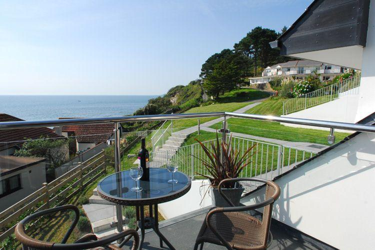 Relax and take in the view from the balcony - 28 Mount Brioni located in Seaton, Cornwall - Looe - rentals