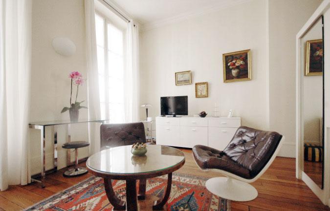 1.jpg - CHAMPS - Paris - rentals