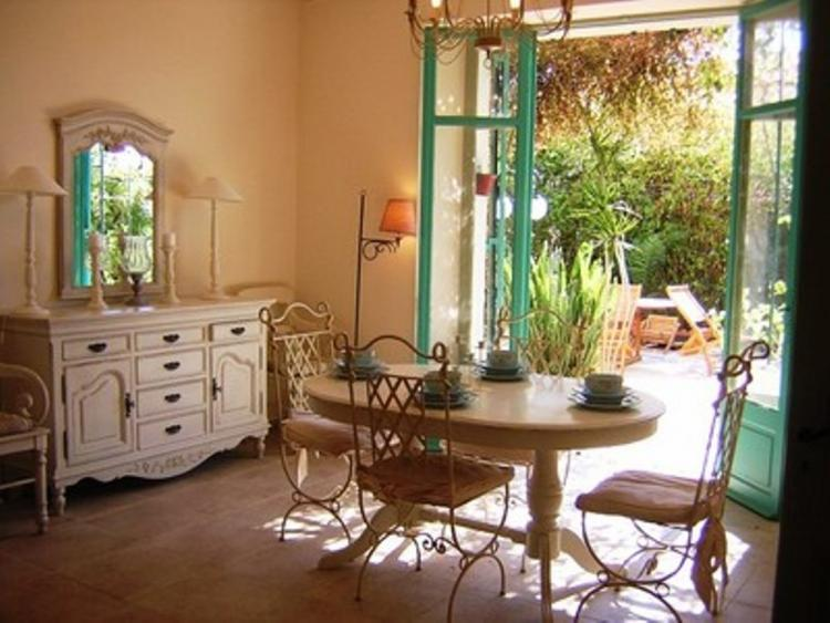Perrissol Gorgeous 3 Bedroom Flat with a Garden and Balcony - Image 1 - Cannes - rentals