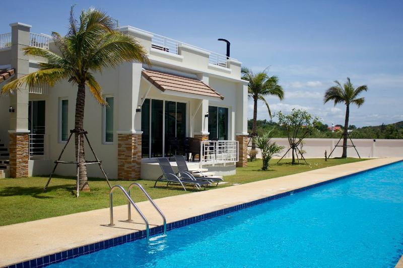 2 BR Deluxe Villa with ROOFTOP JACUZZI - Image 1 - Thailand - rentals