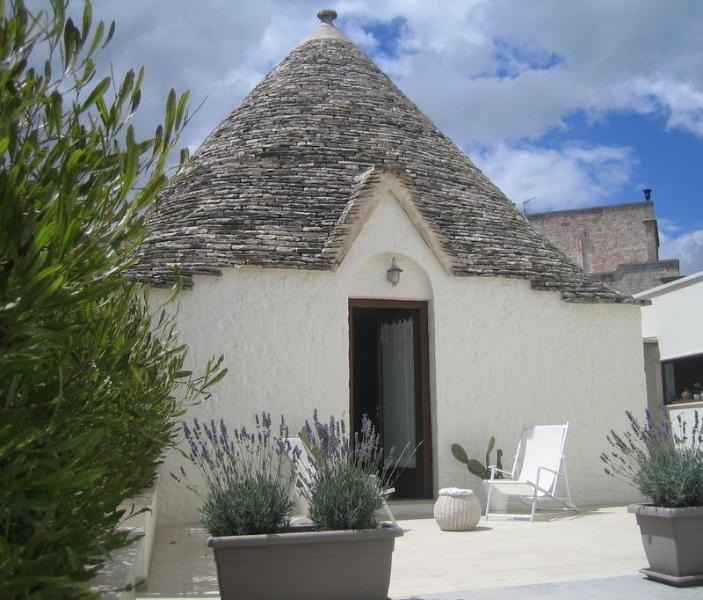 The Olive tree Trullo near the city centre of Alberobello - Image 1 - Alberobello - rentals
