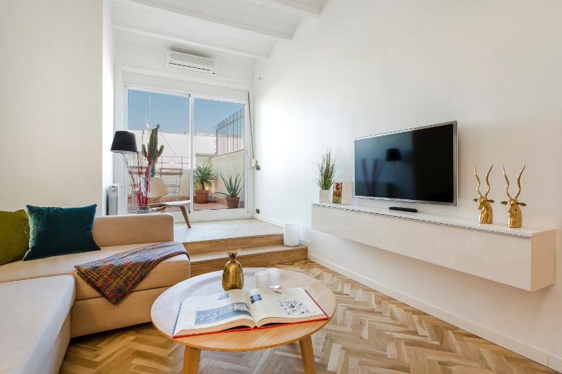 Living Area - Homearound Exclusive Penthouse with terrace - Barcelona - rentals