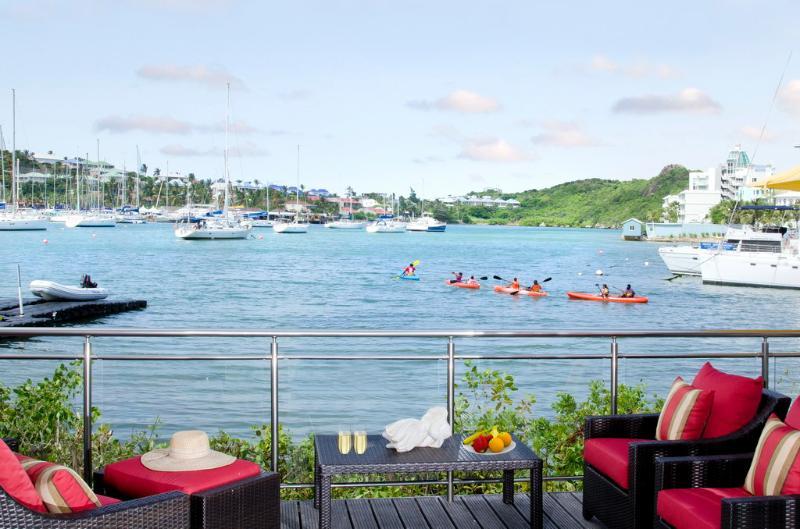 Townhouse Corinne... Coral Beach Club, Dawn beach, St Maarten 800 480 8555 - TOWNHOUSE CORINNE @ 2 BR at CORAL BEACH CLUB... Dawn Beach, St Maarten - Saint Martin-Sint Maarten - rentals