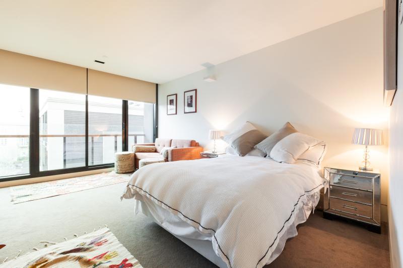 Inner city studio with deluxe furnishings - Celeste - Melbourne - rentals