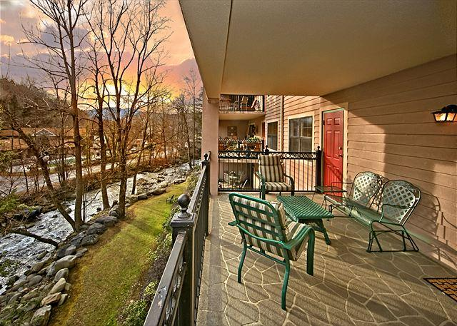 Gorgeous views of surrounding scenery - CRAZY SUMMER SPECIAL FROM $99! 2BR Downtown Gatlinburg Condo w/ River View. - Gatlinburg - rentals
