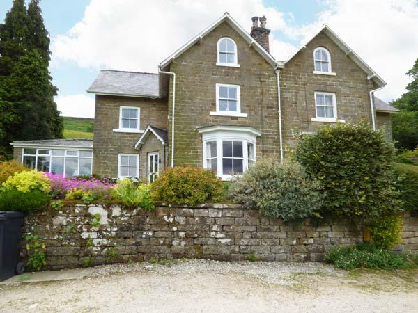 WOODLEA, pet friendly, character holiday cottage, with a garden in Rosedale Abbey, Ref 1438 - Image 1 - Rosedale Abbey - rentals