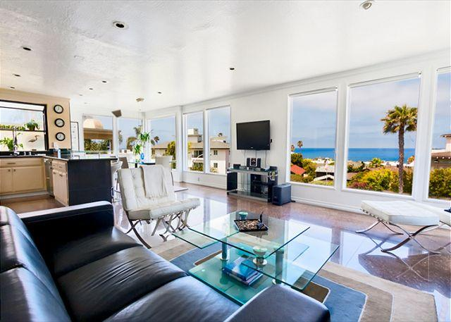 Lounge seating inspired living area and open floor plan featuring amazing coastal views. - Ocean Oasis - the ultimate in luxurious beach living - La Jolla - rentals