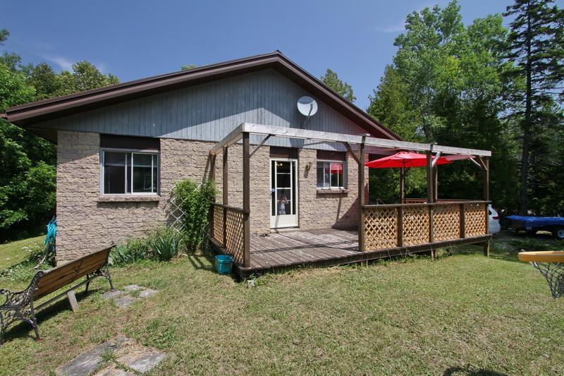 Whiskey Corner cottage (#887) - Image 1 - Lions Head - rentals