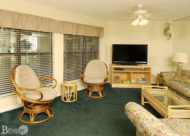 Living Room - Sandpiper 11B ~ Enjoy Gulf Breezes Through the Palms ~Bender Vacation Rentals - Gulf Shores - rentals