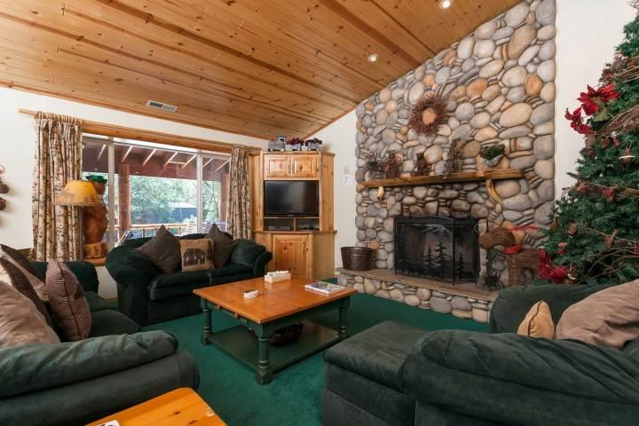Yogi Bear's Den - Image 1 - Big Bear Area - rentals