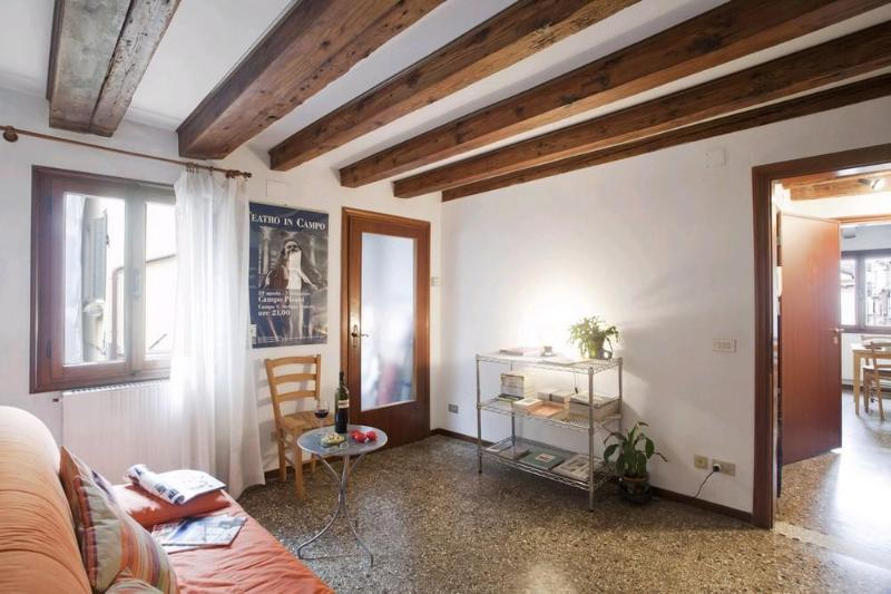 Quiet & bright apartment very close from Rialto - Image 1 - Venice - rentals