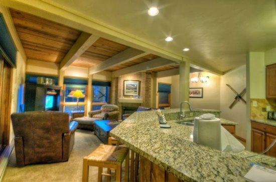 Fully Equipped Kitchen, Granite Countertops, New Appliances - Lodge E204 - Steamboat Springs - rentals