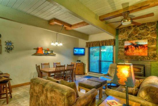 Large Living Area Amazing Views Flat Screen TV, Gas Fireplace - Storm Meadows B213 - Steamboat Springs - rentals