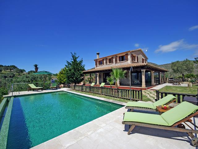 5 bedroom Villa in Alcudia, Mallorca : ref 3312 - Image 1 - Puerto de Alcudia - rentals