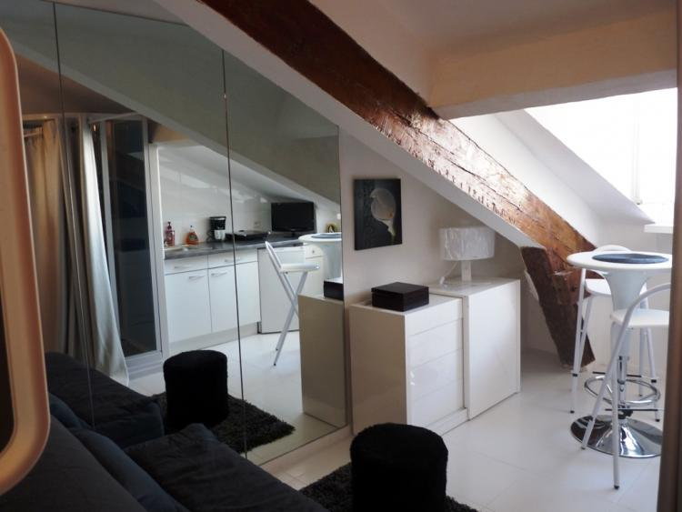 Forville Attic, Affordable Studio in Cannes - Image 1 - Cannes - rentals