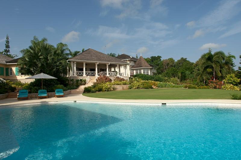 Ideal for Golf Groups & Families, Chef & Butler, Salt Water Infinity Pool, 2 Golf Carts - Image 1 - Rose Hall - rentals