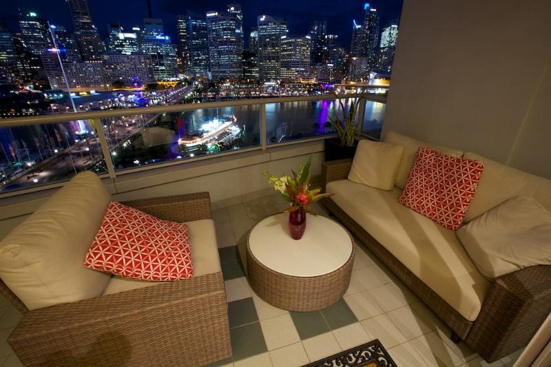 Night views from our Balcony - Darling Harbour Views. Executive stay Apartment - Sydney - rentals