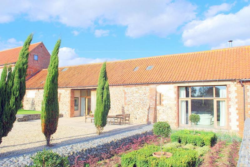 Milking Parlour Barn - Image 1 - Norfolk - rentals