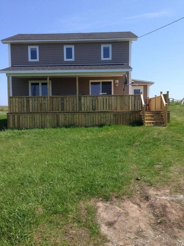 Front View - Willie's Seaside Vacation Home - Bonavista - rentals