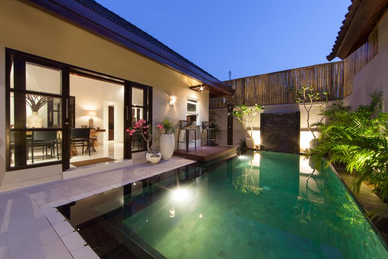 7 x 3 metres private pool with waterfall - Amalika Villa - Gili Trawangans Most Luxurious - Gili Trawangan - rentals