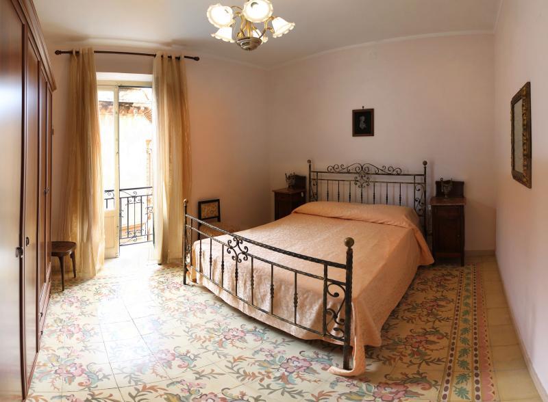 Centro storico - Appartamento Mercè - Image 1 - Trapani - rentals