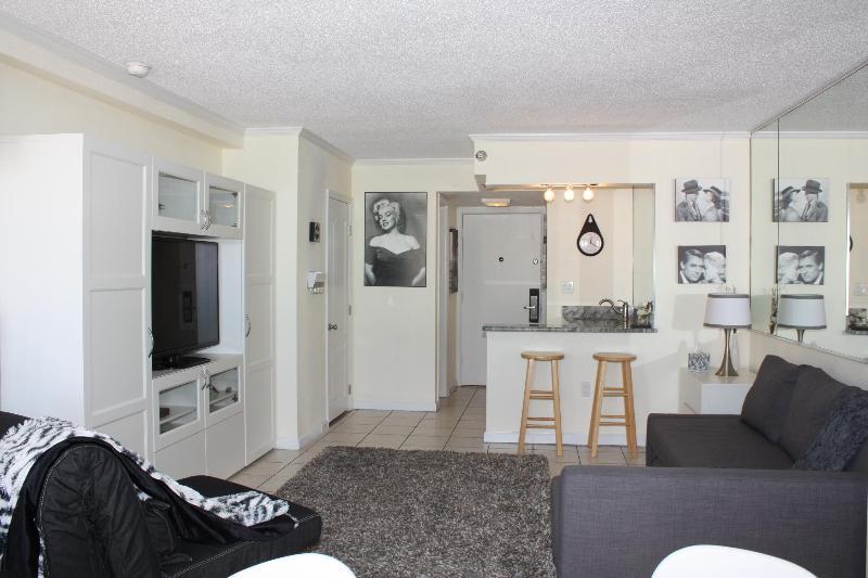 Living Room - Suite On The Beach!  In The Heart Of Daytona Beach - Daytona Beach - rentals